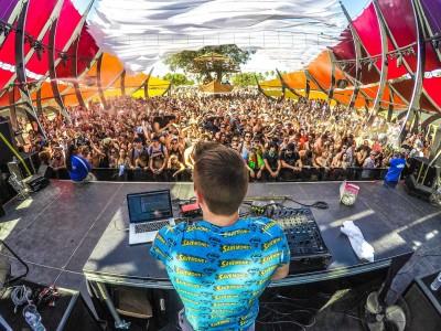 ¿Qué es un DJ, qué hace un DJ y cómo convertirse en DJ?
